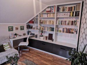 Biblioteczka-poddasze_1