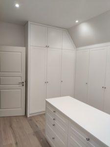 Garderoba biała poddasze_5