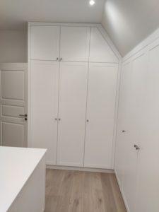 Garderoba biała poddasze_9